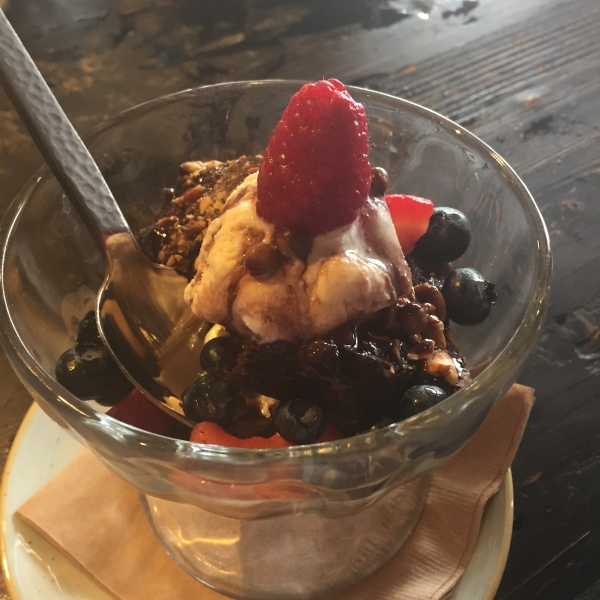 "The ""Sunday sundae"" at Farmer & The Seahorse"