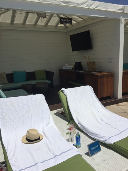 Cabana at Omni La Costa's Edge pool