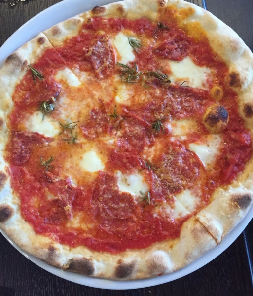 Salamino piccante pizza